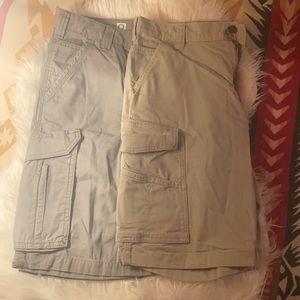 Bundle of 2 EUC Carhartt Cargo shorts 30W